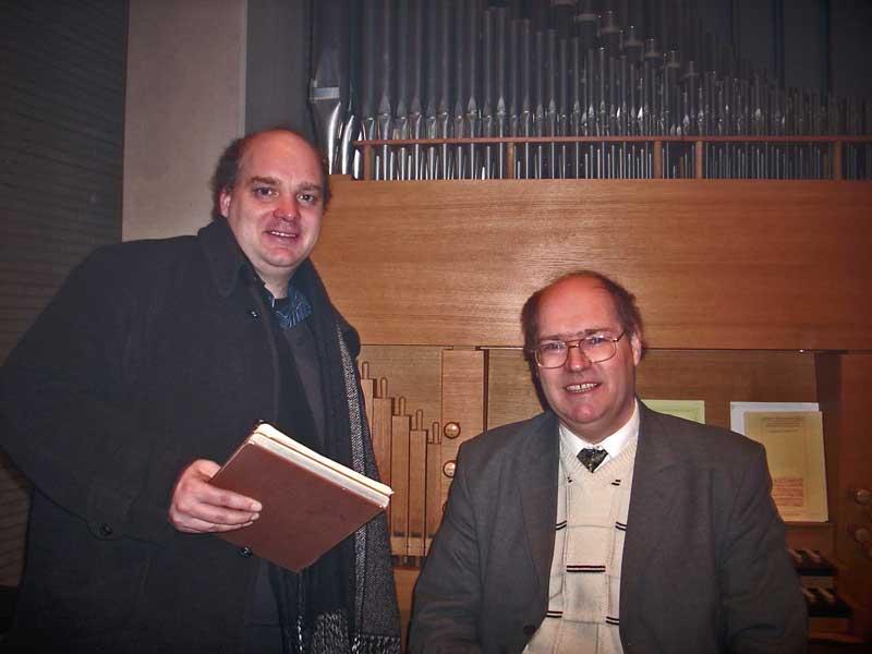 Die Berliner Konzerthausmusiker Sebastian Bluth (li.) und Dr. Dietmar Hiller geben am Sonnabend ein Orgelkonzert. (Foto: Burkhard Fritz)