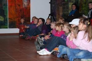 Das Feuerzeug begeisterte die Kinder in der Alten Feuerwache. (Foto: Burkhard Fritz)