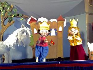 Der kleine König residiert am 10. November in der Alten Feuerwache. (Foto: Berliner Puppentheater)