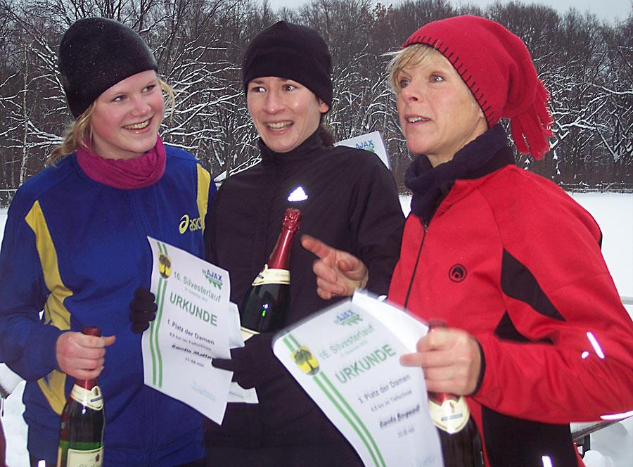 Siegerinnen beim 5 km-Lauf des Ajax Eichwalde. (Foto: Jörg Levermann)