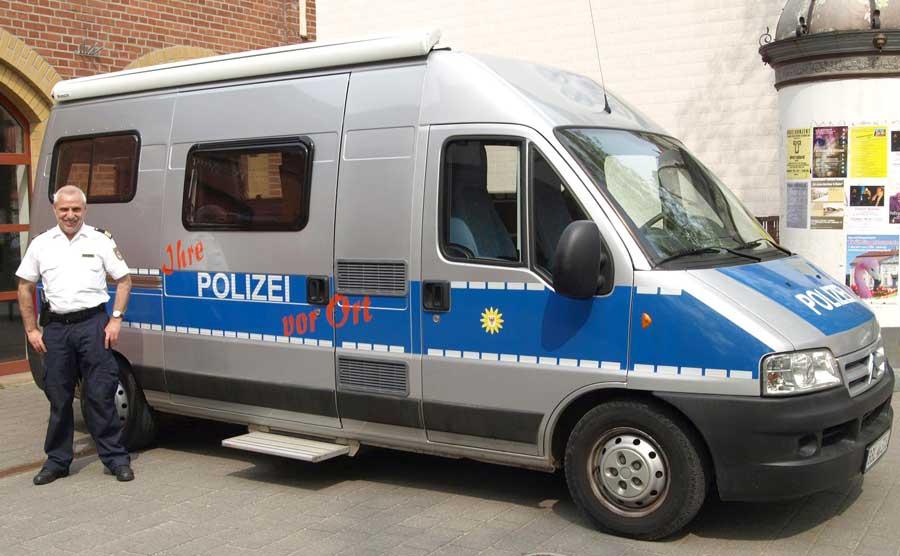 am 1 m rz kl rt die polizei des schutzbereichs dahme spreewald dar ber auf wie man sich vor. Black Bedroom Furniture Sets. Home Design Ideas