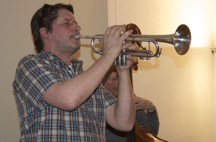 Stefan Schäfer an der Trompete. (Foto: Jörg Levermann)