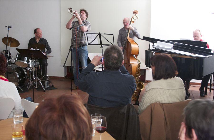 Rund 40 Jazz-Liebhaber kamen am Donnerstag zur Jam-Session in die Alte Feuerwache. (Foto: Jörg Levermann)