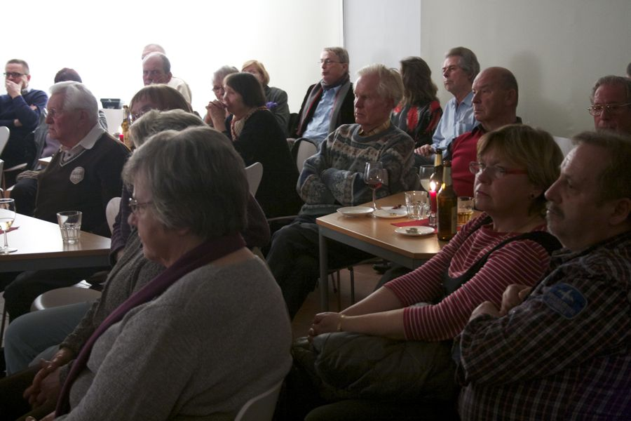 Überwiegend ältere Menschen kamen zur Jam-Session in die Alte Feuerwache. (Foto: Jörg Levermann)