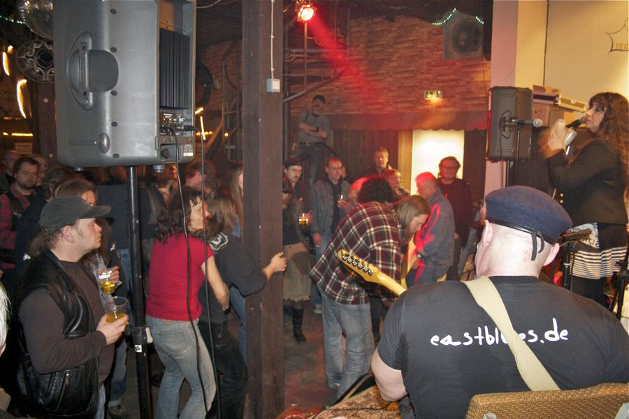 Der Blues ging beim Publikum in Wernsdorf in die Beine. (Foto: Jörg Levermann)