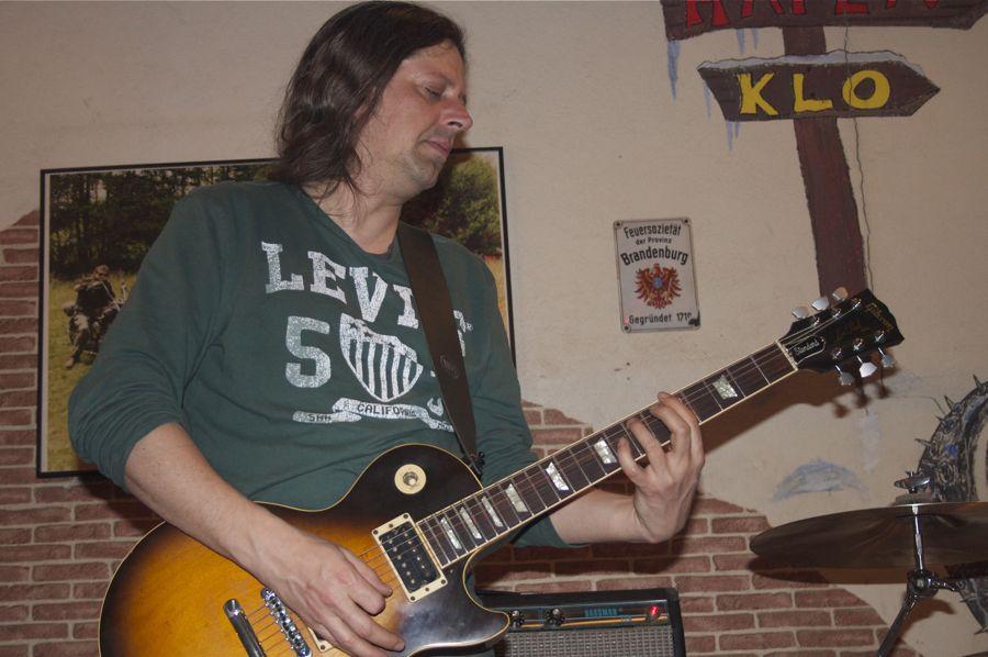 Tobi Hillig, Gitarrist bei Lausitzblues. (Foto: Jörg Levermann)