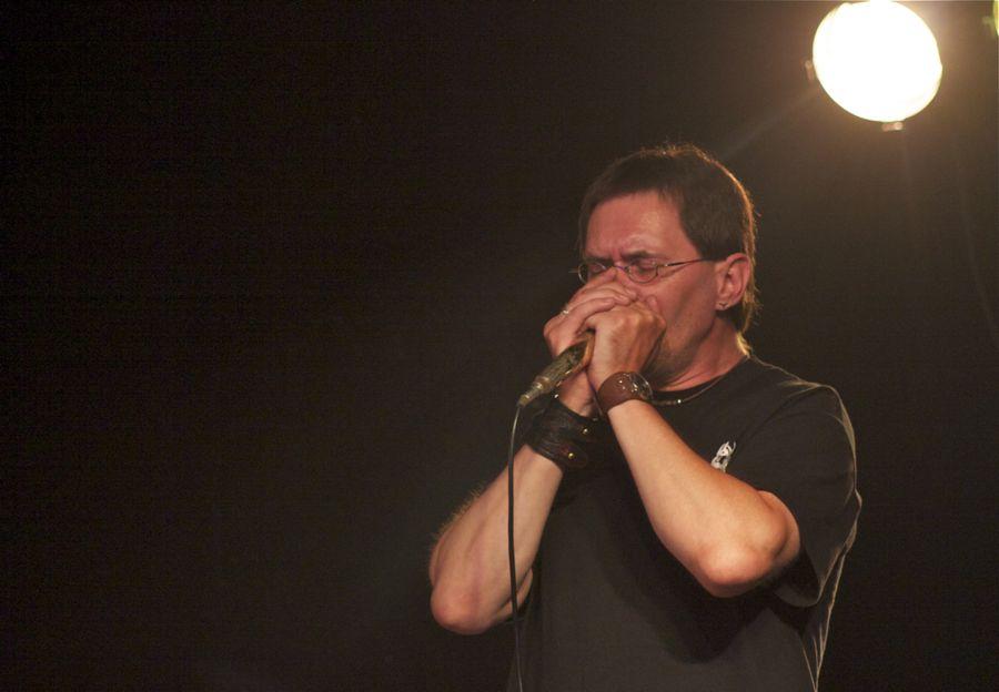 Steffen Neumann an der Bluesharp. (Foto: Jörg Levermann)