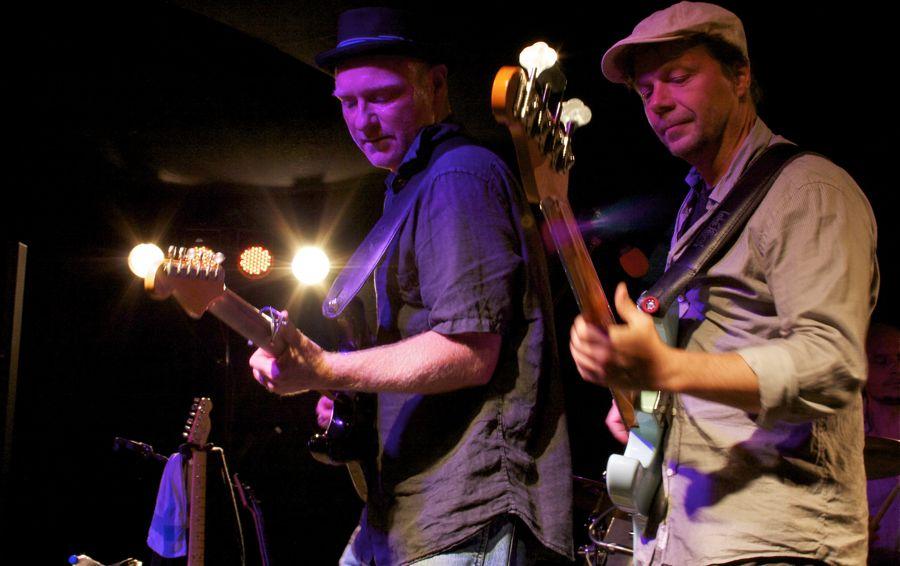 Dirk Jäger (links) und Bassist Stephan Hüwe. (Foto: Jörg Levermann)