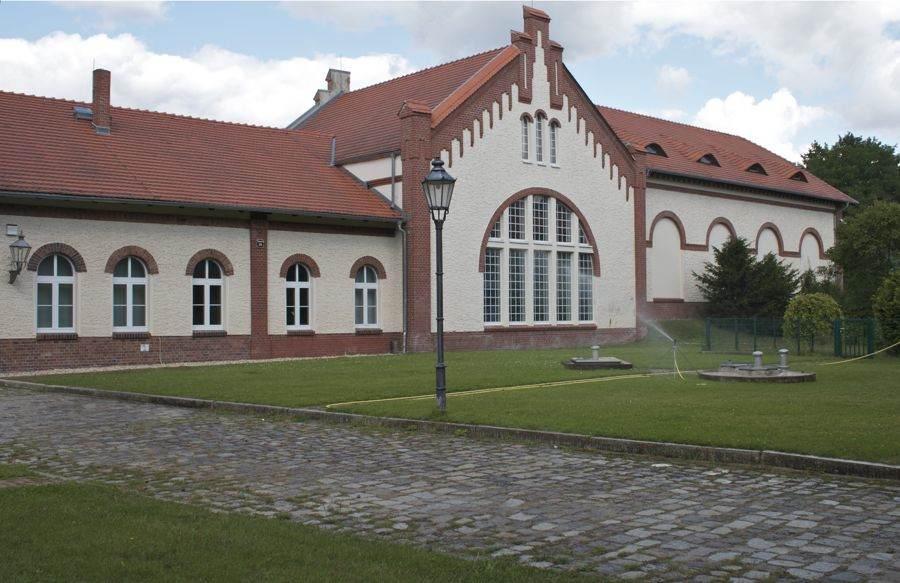 Das Wasserwerk in Eichwalde ist in diesem Jahr 100 Jahre alt geworden. Heute gehört es zu den mondernsten Wasserwerken seiner Art in Deutschland. (Foto: Jörg Levermann)