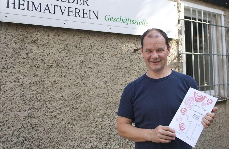 Jörg Jenoch stellte das Programm des Rosenfestes 2013 vor. (Foto: Jörg Levermann)
