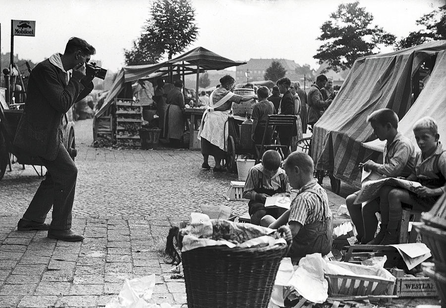 Ernst Thormann fotografierte Richard Woike bei der Arbeit. (Foto: Ernst-Thormann-Archiv)