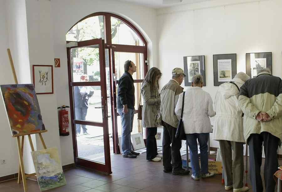 Kunst zu erschwinglichen Preisen gab es in der Alten Feuerwache. (Foto: Jörg Levermann)