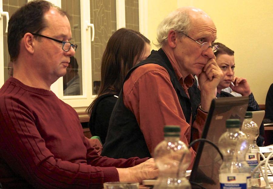 Jörg Jenoch (links) und Alf Hamann von der Wählerinitiative Eichwalde wollten kein generelles Betretungsverbot in den Nachtstunden an der Badewiese (Foto: Jörg Levermann)