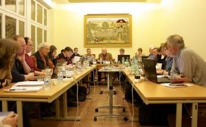 Politisch einig waren sich die Gemeindevertreter aller Fraktionen und beschlossen einstimmig, gemeindeeigene Mietwohnungen dem Landkreis für Flüchtlinge anzubieten. (Foto: Jörg Levermann)