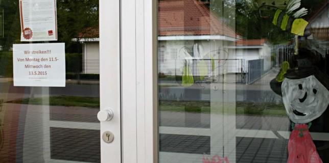 Auch die Türen Kita Pinoccio am Zeuthener Winkel bleiben von Montag bis Mittwoch wegen des Streiks der Erzieherinnen geschlossen. (Foto: Jörg Levermann)