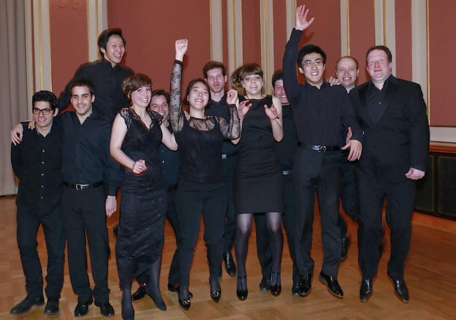 Offenbar haben sie viel Spaß, an dem, was sie tun. Die Stipendiaten der Orchesterakademie gastieren am Donnerstag in der Alten Feuerwache. (Foto: Thomas Bartilla)