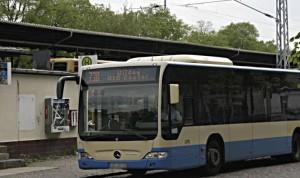 Mit Fahrern privater Busunternehmen hält die RVS auch die Linie 738 am S-Bahnhof Eichwalde aufrecht. (Foto: Jörg Levermann)