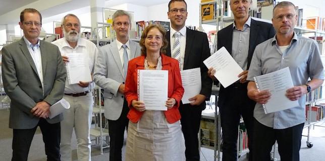 Dr. Uwe Malich, Thomas Worms, Jörn Perlick, Sabine Weller, Carsten Saß, Markus Mücke, Bernd Speer. (Foto: LDS)