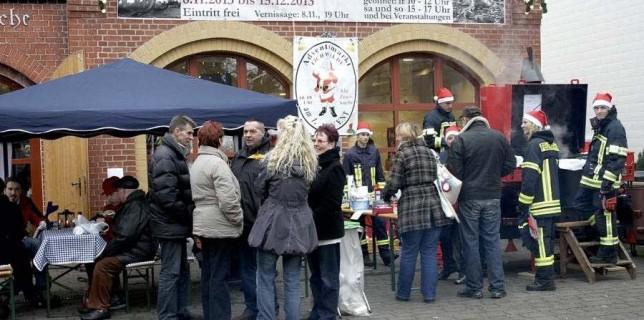 Klein aber fein: Der Adventsmarkt in und um die Alte Feuerwache hat etwas beschauliches. (Foto: Jörg Levermann)