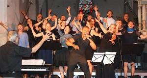Die Joyful Singers aus Berlin sind seit mehreren Jahren immer wieder Gast in der evangelischen Kirche in Eichwalde. In diesem Jahr singen sie gemeinsam mit dem afrikanischen Chor Bonisanai. (Archiv-Foto: Thomas Berger)