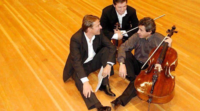 Tango a Trois, so heißt das Konzert der Extraklasse, das Peter Ludwig, Arben Saphiu und Peter Wöpke am Sonnabend in der Alten Feuerwache in Eichwalde geben. (Foto: Archiv)
