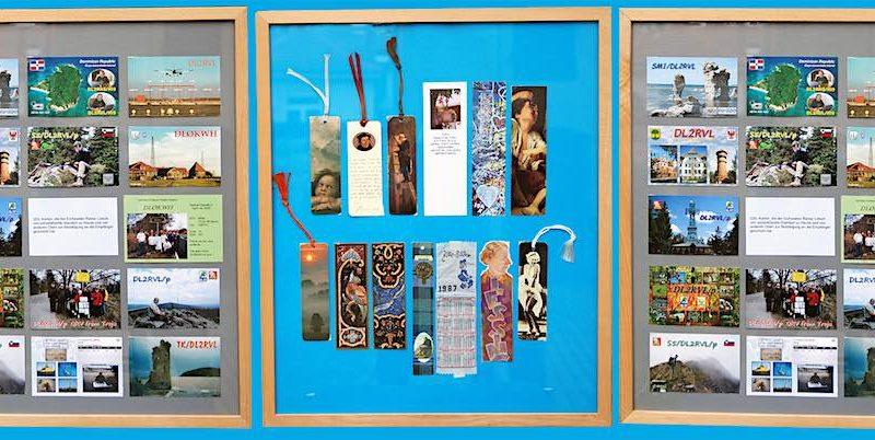 Funkerkarten aus aller Welt sind nur ein kleiner Teil der Ausstellung in der Alten Feuerwache in Eichwalde. (Foto: Burkhard Fritz)